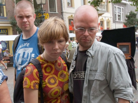 The couple looking at their image. Photo: courtesy of Guido Vandebroek vandebroek-beuls@telenet.be