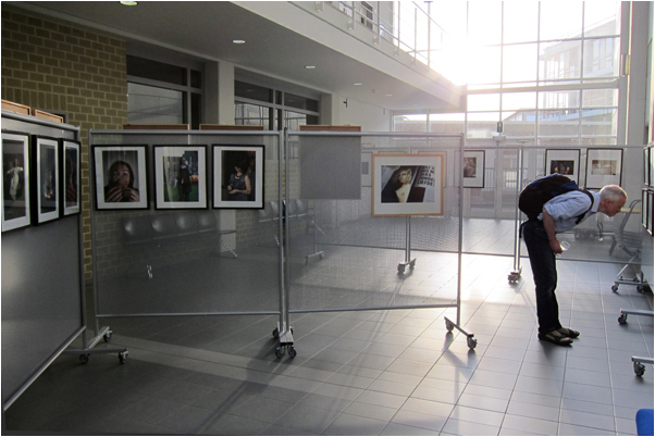 If I'm not mistaken; on the left the work of Marc Leest & the solo photo on the right is from Rudi Cools